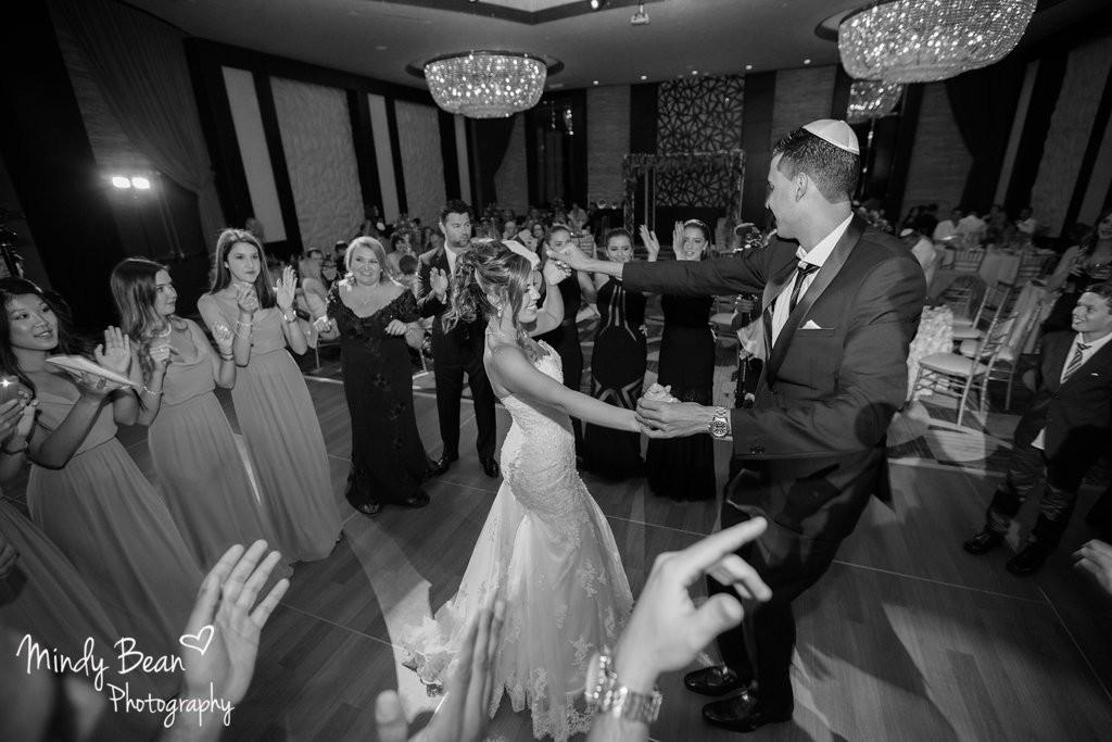 Las Vegas Wedding Videographers, Memory Lane Video, Photographers/ Photography Company: Mindy Bean Photography | Florist: DiBella Flowers | Hair & Make Up: Araceli De Santiago Golshan | Cake/Sweets: Denise | DJ/Band: DJ Gilad | Invitations: Alligator Soup | Wedding Planners: Jennifer and Sean |